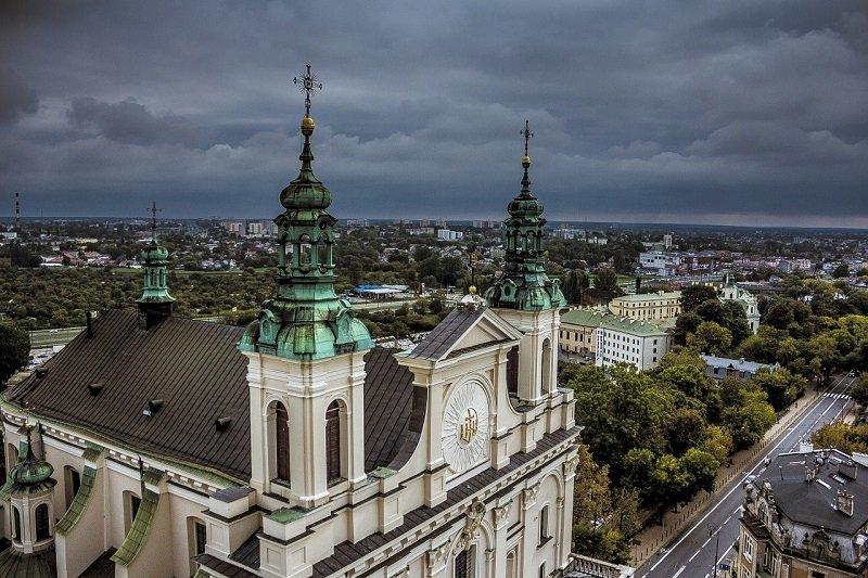 Katedra w Lublinie to zabytek, który warto zwiedzić z Eko Taxi