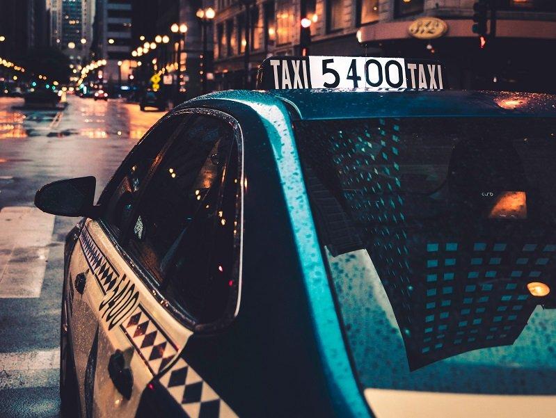 Wybierz ulubioną sieć taksówek