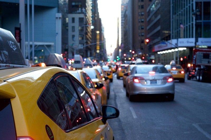 Samochody w korku ulicznym